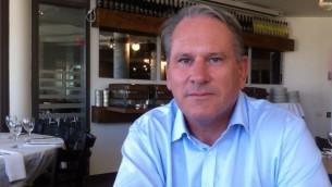 ريتشارد كيمب في القدس، 24 يوليو 2014 (ToI staff)