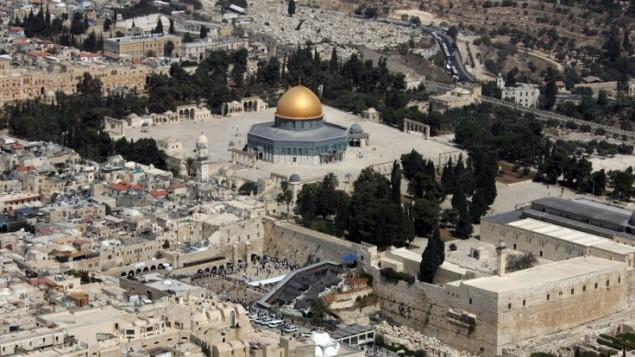 منظر جوي لقبة الصخرة وحائط المبكى في القدس، 2 أكتوبر / تشرين الأول 2007. (AFP/Jack Guez)