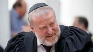 المستشار القضائي افيخاي ماندلبليت في القدس، 13 يونيو 2017 (Yonatan Sindel/Flash90)