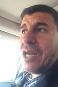 النائب في البرلمان الأردني يحيى السعود في مركبته في طريقه إلى مواجهة مع عضو الكنيست الإسرائيلي أورن حزان عند معبر 'جسر أللنبي' الحدودي. (Screen capture: Facebook)