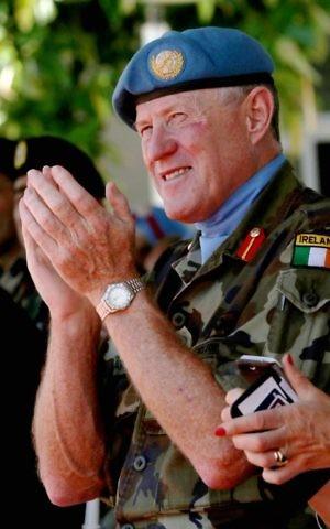 تظهر هذه الصورة التي التقطت في 19 يوليو / تموز 2016 رئيس البعثة وقائد قوة الأمم المتحدة المؤقتة في لبنان (اليونيفيل) اللواء مايكل بيري من ايرلندا. (AFP/Mahmoud Zayyat)
