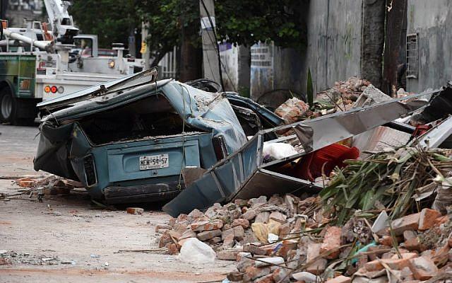 صورة لشارع في المنطقة الشرقية لمكسيكو سيتي بعد زلزال بقوة 8.2 درجات ضرب البلاد في 8 سبتبمر، 2017. (AFP PHOTO / ALFREDO ESTRELLA)