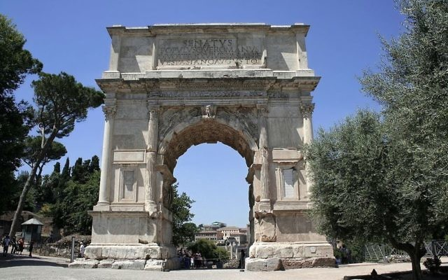 قوس تيتوس (Wikimedia commons/Cassius Ahenobarbus)