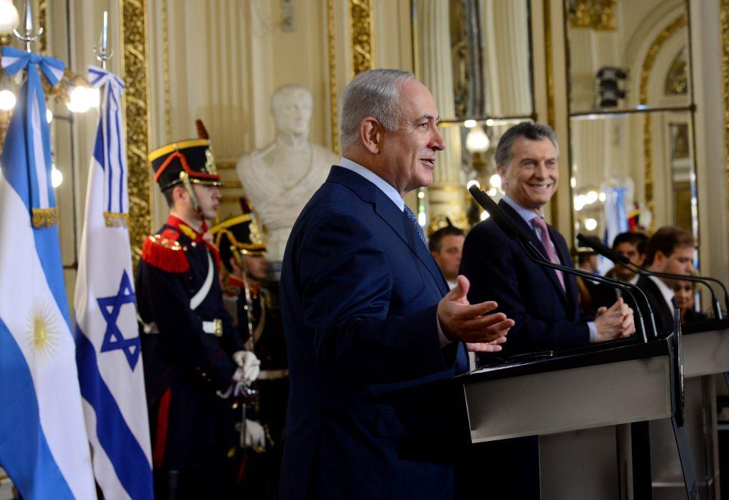 رئيس الوزراء بنيامين نتانياهو يجتمع بالرئيس الارجنتينى موريسيو ماكري في قصر سان مارتن في بوينس ايرس بالارجنتين خلال زيارته الرسمية للدولة. 12 سبتمبر 2017. (Avi Ohayon / Government Press Office)