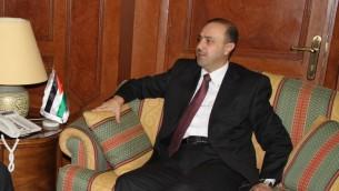 وزير شؤون الاعلام الاردني محمد المومني في عمان، 2 ديسمبر 2013 (CC BY Official CTBTO Photostream, Wikimedia commons)