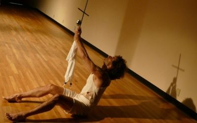 """Ido Tadmor elevates the puppet during the world premiere of """"2.0."""""""