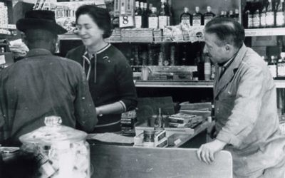 Helen and Emanuel Herman work at H & E Supermarket at 533 Griffin St. (Photo courtesy of the Emanuel Herman Family Papers in the Cuba Family Archives for Southern Jewish History, Breman Museum)