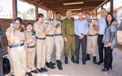 Special in Uniform soldiers are recognized in 2017, when Israel awarded the program the Presidential Award for Volunteerism. Atlantan Alan Wolk chairs the board of Special in Uniform USA.