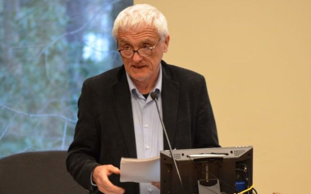 Professor Yan Gross doesn't let a new Polish law stop him from talking March 27 about Polish atrocities against Jews during World War II. (Photo by Sarah Moosazadeh)
