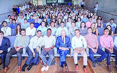 TAMID exposes students to Israeli entrepreneurs and leaders, including former Israel Prime Minister Shimon Perez.