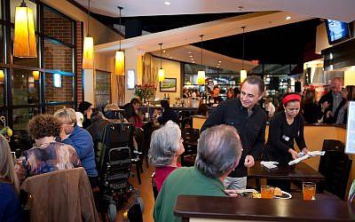 Feugo Mundo kosher restaurant is expanding to Hartsfield-Jackson International Airport.