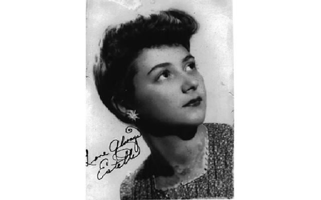 Estelle Ezor
