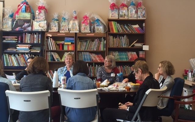 Sherry Frank (facing camera in blue) leads a discussion on current events with the National Council of Jewish Women on Oct. 27, 2016. (Photo by Logan C. Ritchie)