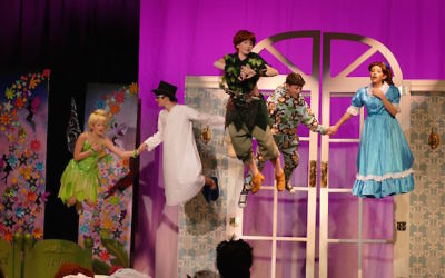 Thanks to the expertise of Las Vegas-based effects company Flying by Foy, which helped Lady Gaga fly at the Super Bowl, Tinker Bell (Brooke Ross) and Peter Pan (Grace Ross) help John (Jacob Frank), Michael (Brandon Bohrer) and Wendy Darling (Gracie Kirschner) take flight for the first time.