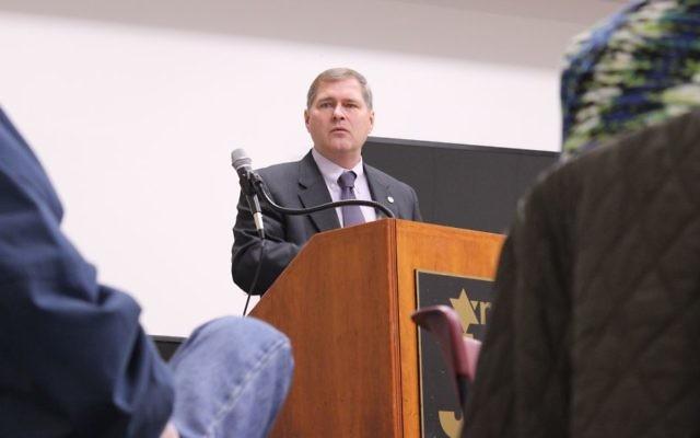 FBI Special Agent Stephen Emmett speaks to the Marcus JCC's Edgewise seniors group Feb. 16.