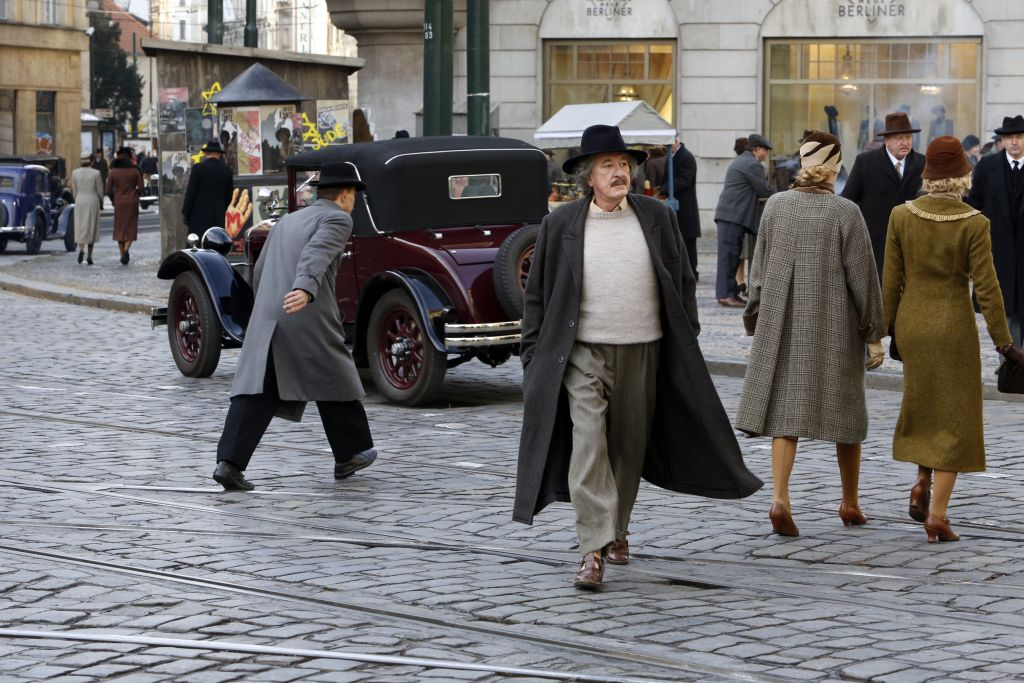 First-Ever Survey Of Modern Orthodox American Jews Reveals