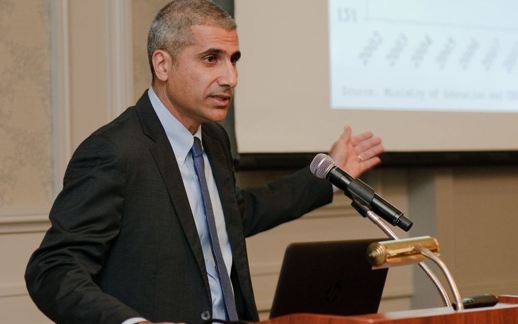 Amir Levi, the Israel Finance Ministry's budget director, explains how the process behind Resolution 922 began in 2014 with a study of the Arab gaps in Israeli society