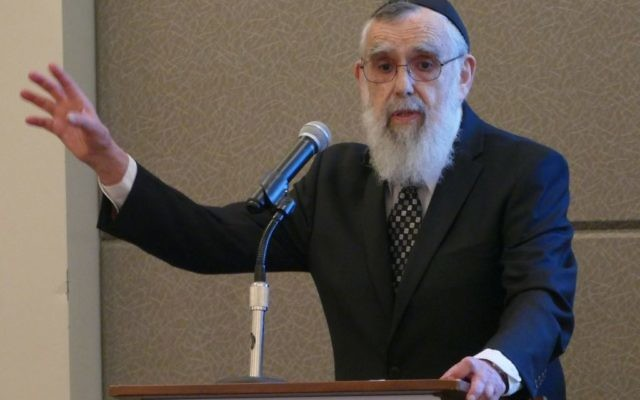 Rabbi Emanuel Feldman, who retired from Beth Jacob and made aliyah more than a quarter-century ago, speaks during the 2017 annual dinner about the crucial role of the congregation in Atlanta's Jewish development.