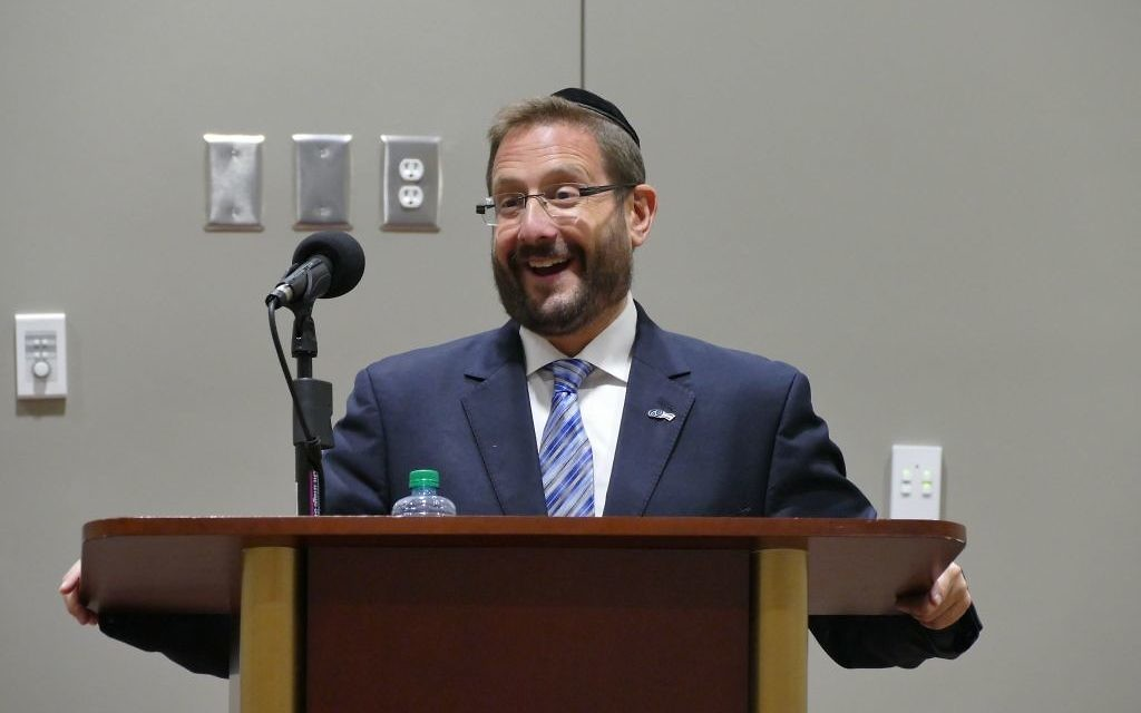Rabbi Dov Lipman speaks at Congregation B'nai Torah about his experiences as a new immigrant to Israel and his entrance to Israeli politics.