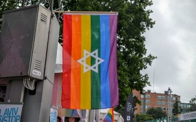 Jewish pride flags, like this one displayed at the Stockholm Pride Parade in July 2015, proved unacceptable at the anti-Zionist Chicago Dyke March in June. (Photo by Jonatan Svensson Glad // CC-BY-SA 4.0 // via Wikimedia Commons)