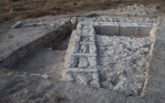 The remains of the structure indicate that it was intentionally dismantled, possibly by the Hasmoneans. (Photo by Dane Christensen)