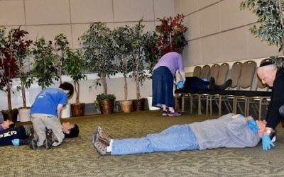 CERT participants practice head-to-toe assessments of injured people so they can triage acute victims for immediate medical attention and provide proper first aid.