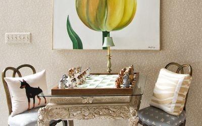 "An Italian chess set site below Comer Jennings' ""Tulip."" (Photo by Duane Stork)"