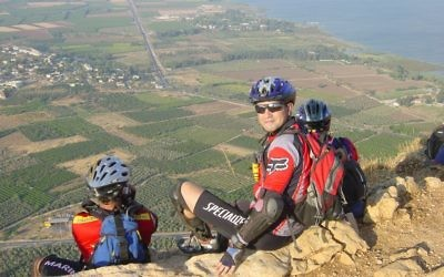Eyal Postelnik is mountain climbing in Israel.
