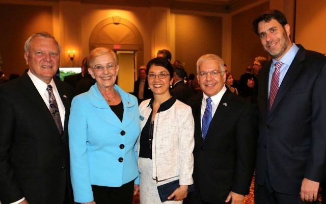 (From left) Gov. Nathan Deal, Sandra Deal, Talyah Aviran, Opher Aviran and Rabbi Peter Berg