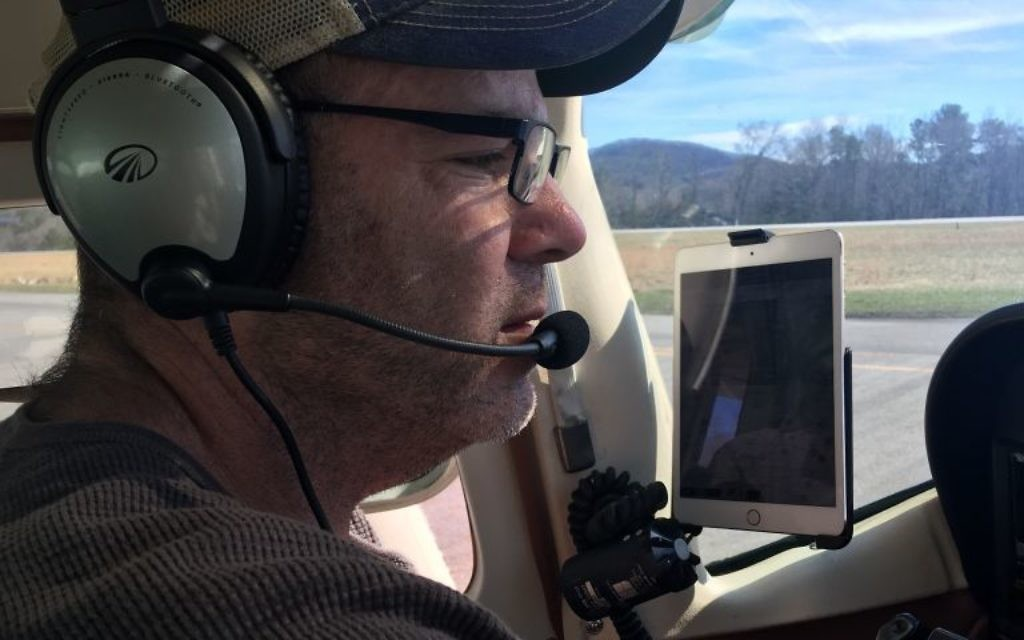Congregation Kol Emeth member Ben Singer spent more than 40 hours training to become a pilot and ultimately fulfilling a childhood dream.