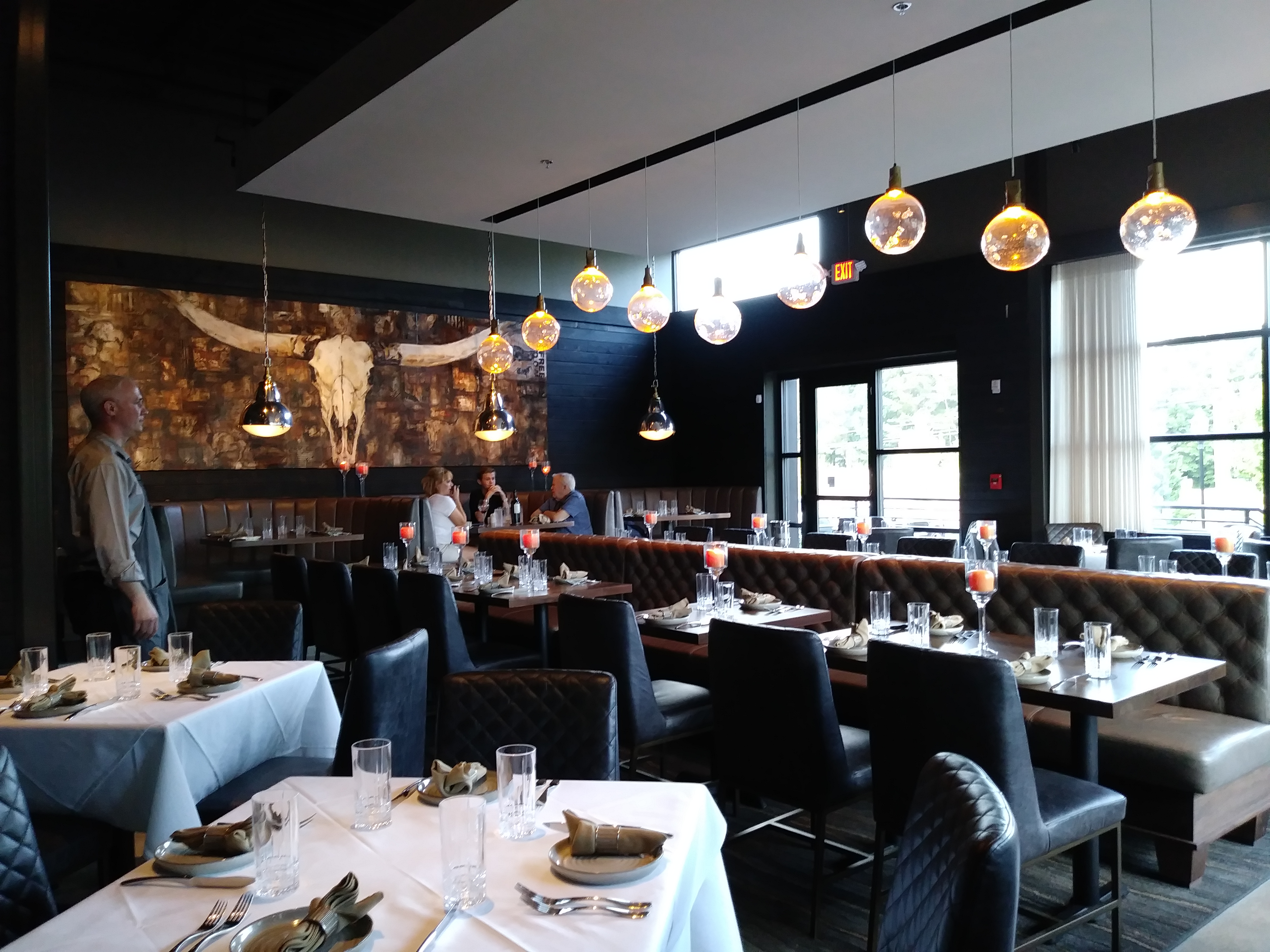 Arnette S Chop An Upscale Steakhouse With A Casual Vibe Is One Of The Newest Restaurants To Move Into Brookhaven Owned By Restaurateur Michel