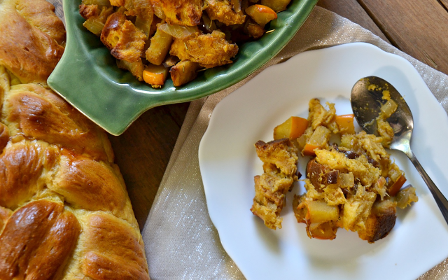 Pumpkin challah stuffing for Thanksgiving
