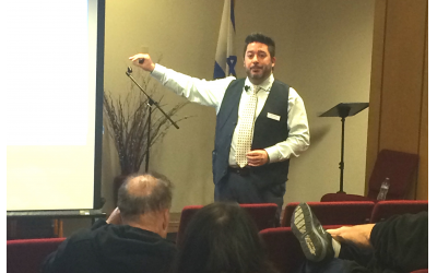 Dean Monteleone, clinical director of Caron Atlanta, led the seminar on vaping at The Weber School.