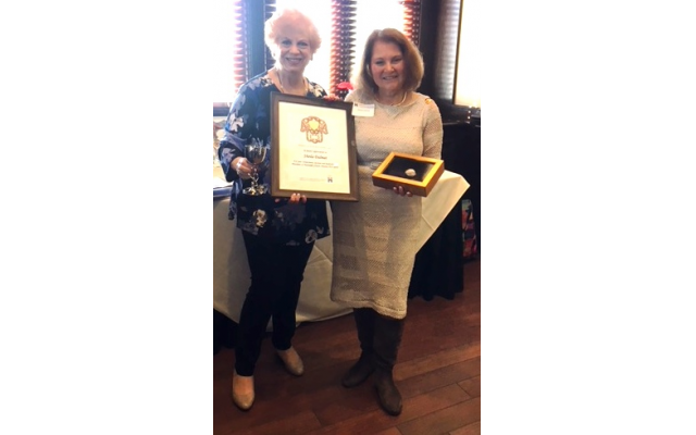Linda Hakerem presented gifts to Sheila Dalmat, HGA immediate past president, in appreciation for her outstanding service to the chapter the past two years.