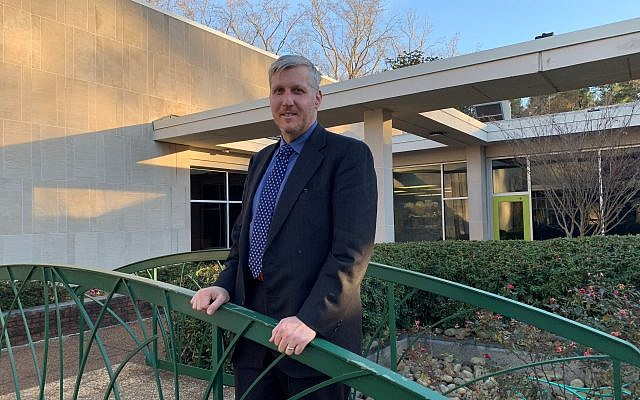 Rabbi Laurence Rosenthal is slated to replace Rabbi Neil Sandler at Ahavath Achim Synagogue after a congregational vote this spring.