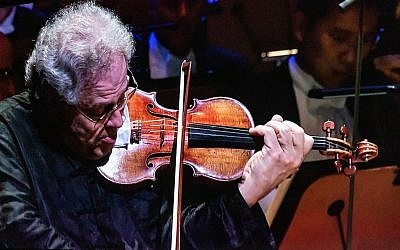 Photos of Perlman courtesy of AJFF // Violinist Itzhak Perlman performed with pianist Rohan De Silva.