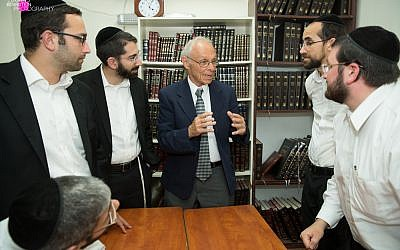 CKD rabbis with American sociology professor Chaim Waxman discuss recent developments in Israeli and diaspora Jewry.