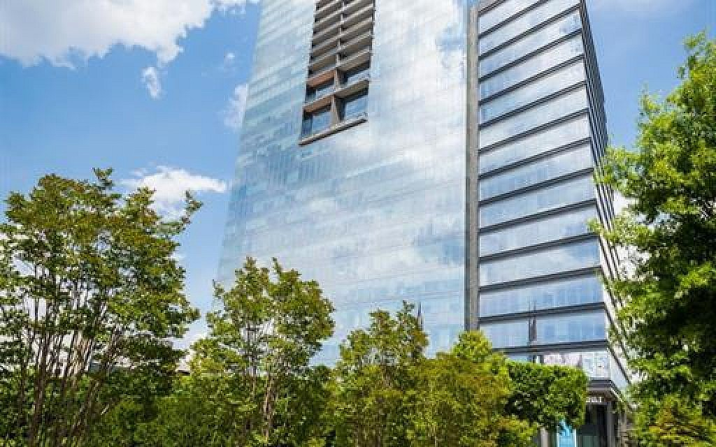 Ritz Carlton at 3630 Peachtree Road features 127 homes across 17 floors.
