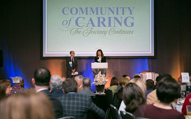 JF&CS leaders Jeff Alperin and Faye Dresner speak at the Community of Caring luncheon.