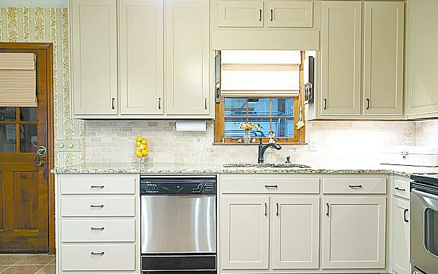Kitchen Fronts' refinished cabinets, after (see previous image for before).