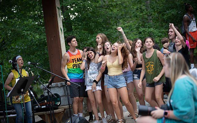 """Campers enjoy a """"Coleman Rocks"""" Shabbat"""