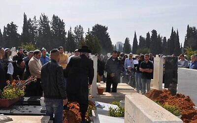 Rabbi New's new program ensures there's always a minyan at Jewish funerals.