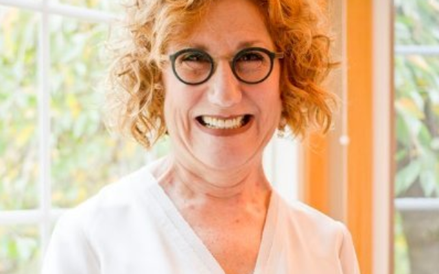 Cantor Barbara Ostfeld was honored with the prestigious Debbie Friedman Award for Contributions to Jewish Music at the Union for Reform Judaism's biennial convention in Chicago in December.