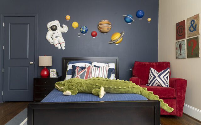 Elijah's room has a spunky Buzz Lightyear theme. The children's rooms have been featured on Cartoon Network and Cox Communications channels.