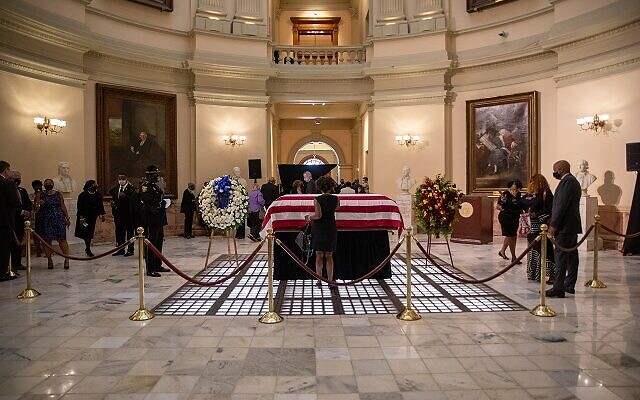 Mourners pay their respects to the late John Lewis as he lies in state at the Georgia state Capitol in Atlanta. // Nathan Posner AJT