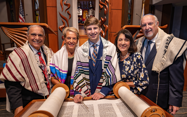 Scensations Photography // Jacob Levin with his grandparents.
