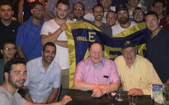 Sheldon Adelson, an honorary member of Alpha Epsilon Pi, at a fraternity gathering in Tel Aviv in 2016. Photo by Alpha Epsilon Pi Alumni Association of Israel