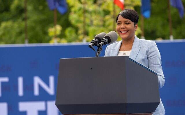 Atlanta Mayor Keisha Lance Bottoms speaks at a drive in rally for President Biden celebrating his 100 days in office, in Duluth, Georgia on April 29th, 2021. // Nathan Posner for the AJT