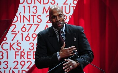 Kevin Willis co-founded Atlanta Children's Foundation.