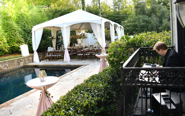 Beth Intro Photography // The backyard poolside made for a scenic venue.